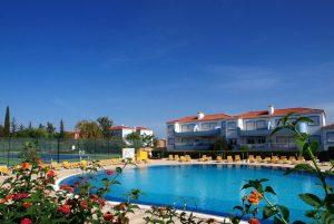 Oasis Parque Outdoor Pool