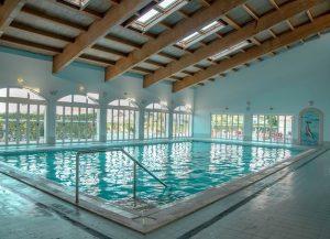 indoor-heated-pool-algarve-rental-apartment