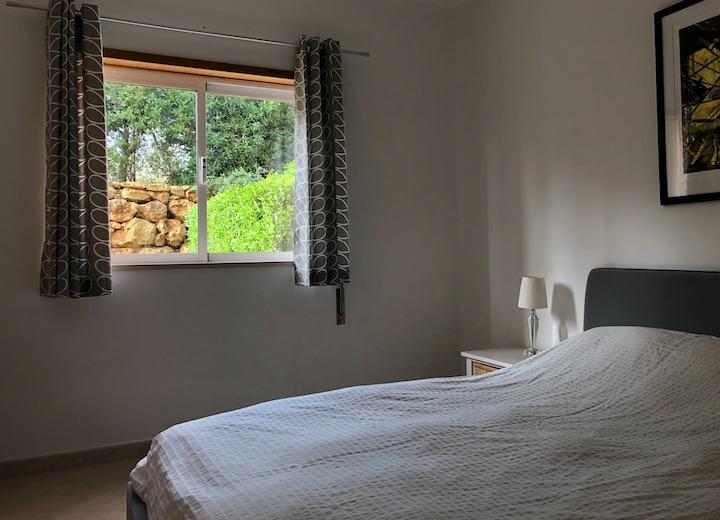 luxury-2-bed-apartment-near-pria de Roche